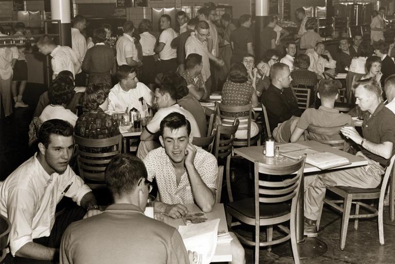 The Bear's Den in 1962