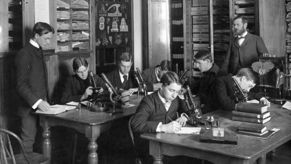 Botany class in 1900