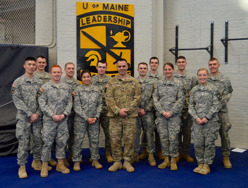 The MSIV class poses for a picture with CPT Gauthier.