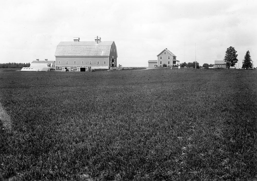 AF-house-and-barn