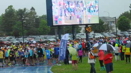 runners in rainy conditions.