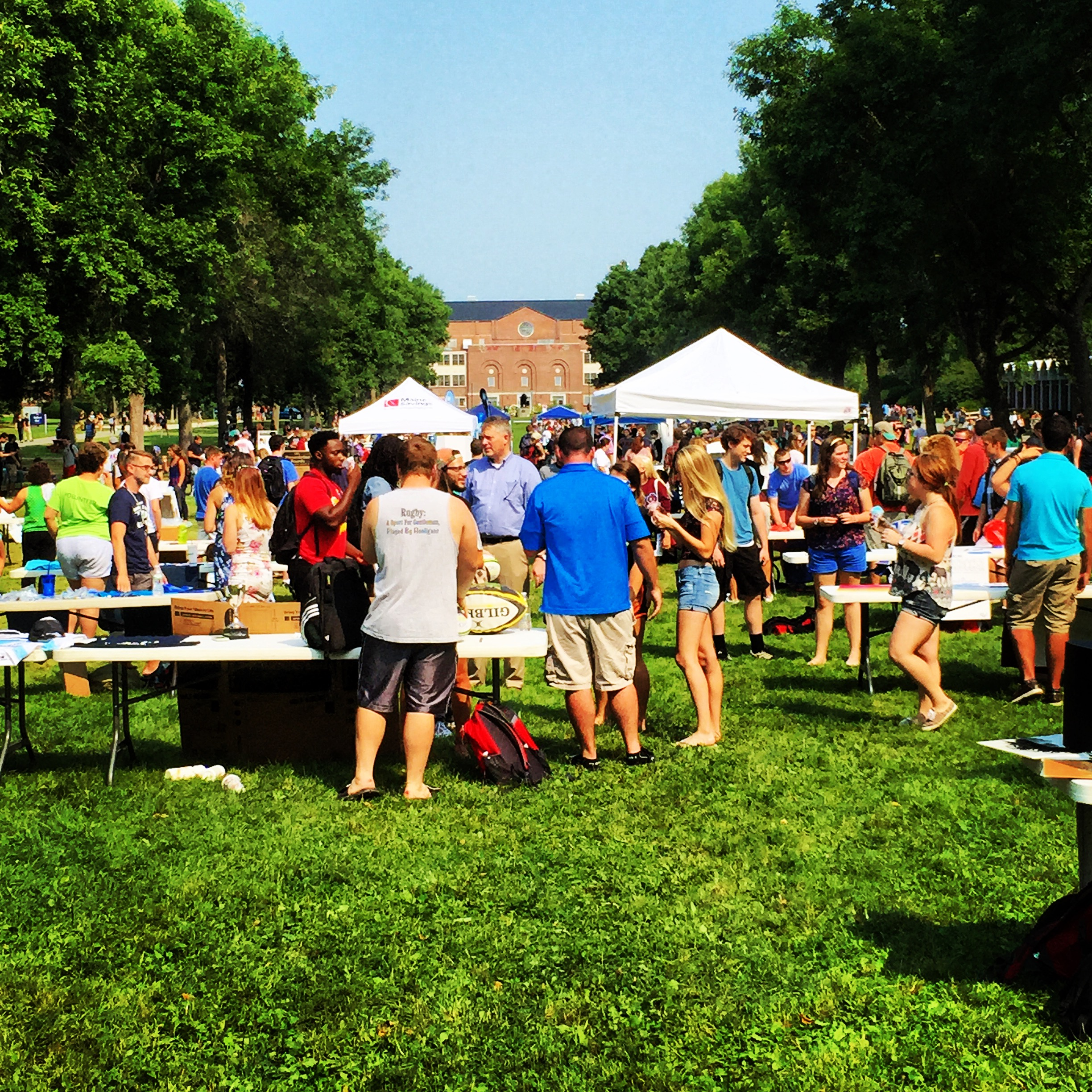 Students gathered on The Mall for the Student Organization Fair