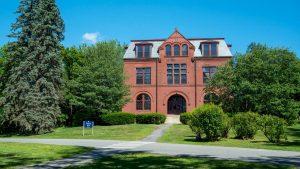 umaine campus coburt hall