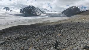 Trek_Momgomlian_Glacier