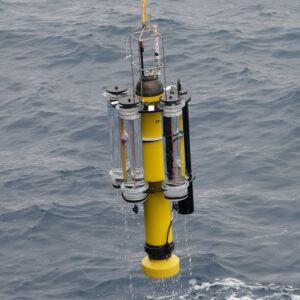 Neutrally buoyant sediment trap