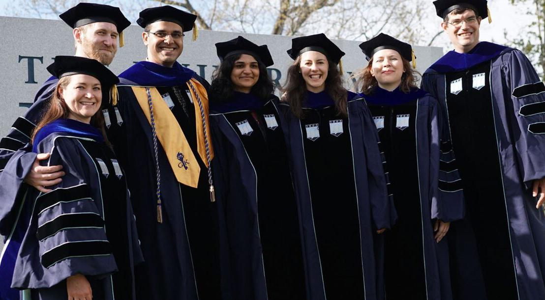 Graduate students commencement group photo