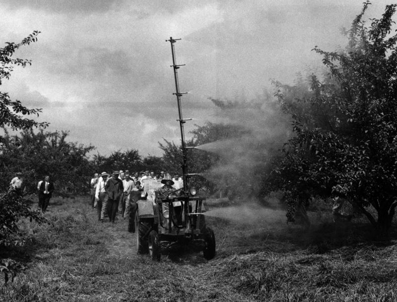 Spray mast 1947