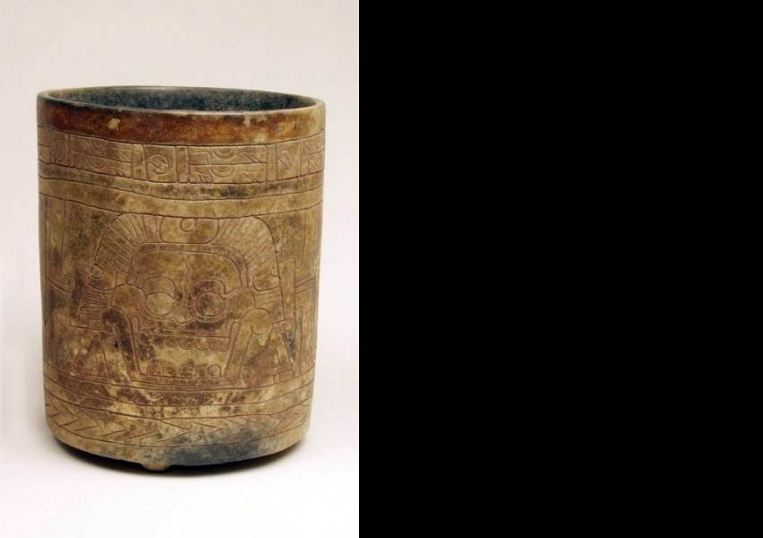 Painted incised cylindrical vase, Classic (?) Alta Verapaz