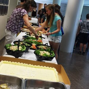 MSTI participants eating buffet style lunch