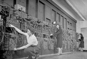 "Women ""computers"" working on ENIAC"