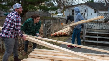Engineering students deliver lumber