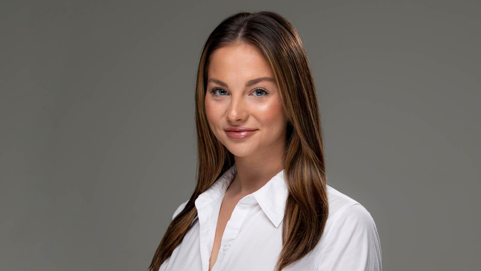Julia Van Steenberghe