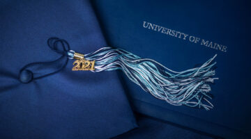 Graduation cap, 2021 tassel and diploma cover