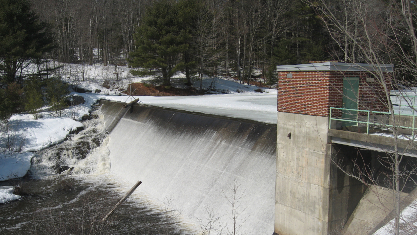 featured image for The Future of Dams: New $6 million NSF grant will fund a four-year, tri-state study in New England