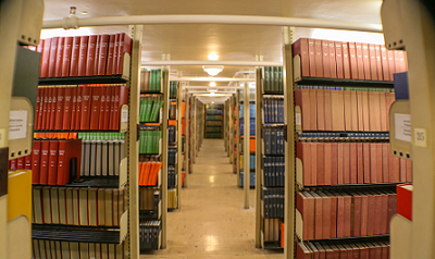 Photo of books in Fogler Library stacks