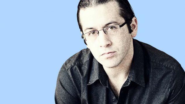 photo of scott horey on blue background