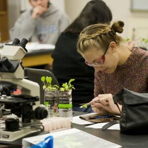 biology and ecology student in lab