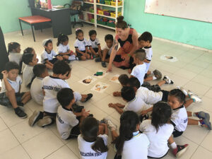 student teaching elementary students in Mexico