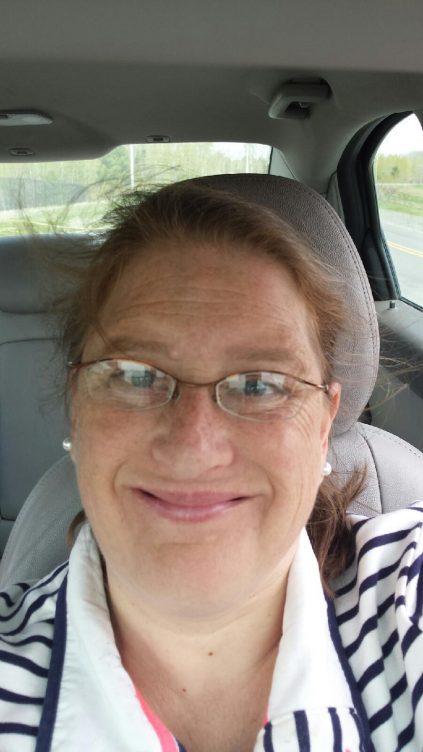 Portrait of Leslie Peterson