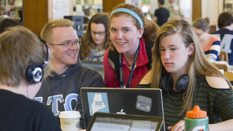 Students in Fogler Library, April 2014